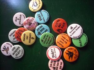 Dicke Weiber Buttons